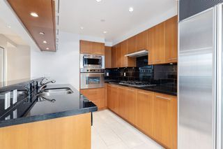 """Photo 15: 1103 323 JERVIS Street in Vancouver: Coal Harbour Condo for sale in """"Escala"""" (Vancouver West)  : MLS®# R2527728"""
