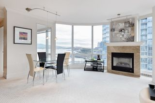 """Photo 11: 1103 323 JERVIS Street in Vancouver: Coal Harbour Condo for sale in """"Escala"""" (Vancouver West)  : MLS®# R2527728"""