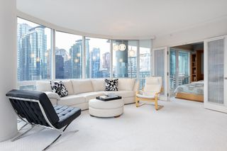 """Photo 12: 1103 323 JERVIS Street in Vancouver: Coal Harbour Condo for sale in """"Escala"""" (Vancouver West)  : MLS®# R2527728"""