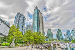 """Photo 2: 1103 323 JERVIS Street in Vancouver: Coal Harbour Condo for sale in """"Escala"""" (Vancouver West)  : MLS®# R2527728"""