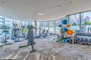 """Photo 5: 1103 323 JERVIS Street in Vancouver: Coal Harbour Condo for sale in """"Escala"""" (Vancouver West)  : MLS®# R2527728"""