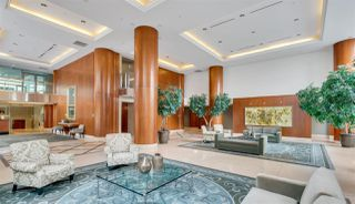 """Photo 3: 1103 323 JERVIS Street in Vancouver: Coal Harbour Condo for sale in """"Escala"""" (Vancouver West)  : MLS®# R2527728"""