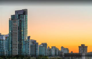 """Photo 35: 1103 323 JERVIS Street in Vancouver: Coal Harbour Condo for sale in """"Escala"""" (Vancouver West)  : MLS®# R2527728"""