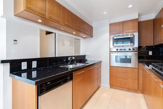 """Photo 16: 1103 323 JERVIS Street in Vancouver: Coal Harbour Condo for sale in """"Escala"""" (Vancouver West)  : MLS®# R2527728"""