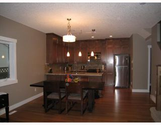 Photo 6: A1 2020 27 Avenue SW in CALGARY: South Calgary Townhouse for sale (Calgary)  : MLS®# C3412383