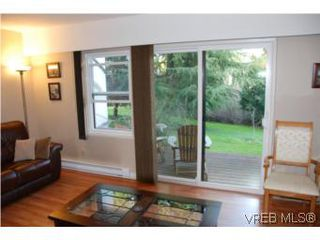 Photo 3: 35 610 McKenzie Ave in VICTORIA: SW Glanford Row/Townhouse for sale (Saanich West)  : MLS®# 531206