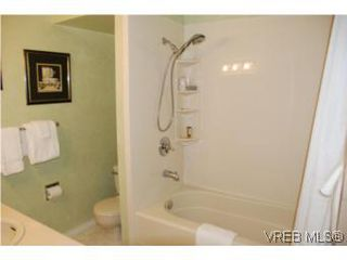 Photo 11: 35 610 McKenzie Ave in VICTORIA: SW Glanford Row/Townhouse for sale (Saanich West)  : MLS®# 531206