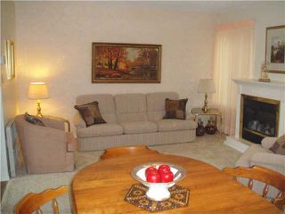 Photo 3: 4687 GARDEN GROVE Drive in Burnaby: Greentree Village Townhouse for sale (Burnaby South)  : MLS®# V826622