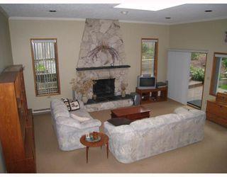 Photo 1: 978 HARTFORD Place in North_Vancouver: Windsor Park NV House for sale (North Vancouver)  : MLS®# V750819