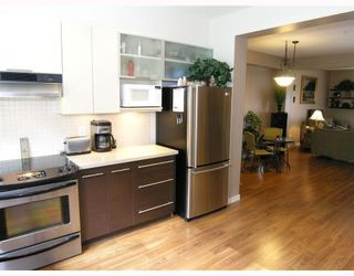 "Photo 3: 27 550 BROWNING Place in North_Vancouver: Seymour Townhouse for sale in ""TANAGER"" (North Vancouver)  : MLS®# V753076"