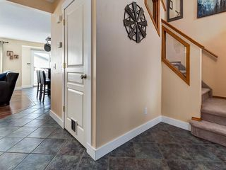 Photo 7: 276 MT ABERDEEN Circle SE in Calgary: McKenzie Lake Detached for sale : MLS®# C4257942