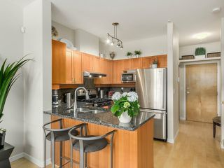 Photo 3: 103 2688 VINE Street in Vancouver West: Home for sale : MLS®# V1115409