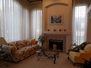 Photo 4: 3310 RAKANNA Place in Coquitlam: Hockaday House for sale : MLS®# R2438286