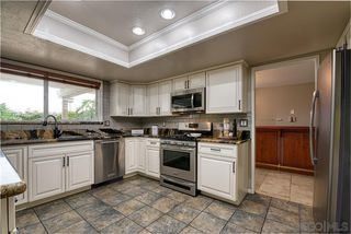 Photo 4: VISTA House for sale : 4 bedrooms : 340 Penrod Court