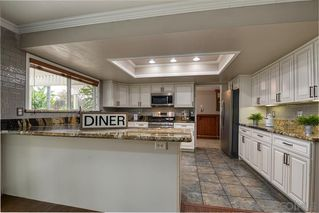Photo 5: VISTA House for sale : 4 bedrooms : 340 Penrod Court