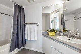 "Photo 11: 1207 13353 108 Avenue in Surrey: Whalley Condo for sale in ""Cornerstone"" (North Surrey)  : MLS®# R2455678"