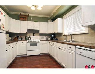 "Photo 8: 3878 CAVES Court in Abbotsford: Abbotsford East House for sale in ""Sandy Hill"" : MLS®# F2919912"