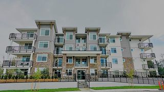 Photo 1: 409 19940 BRYDON Crescent in Langley: Langley City Condo for sale : MLS®# R2514776