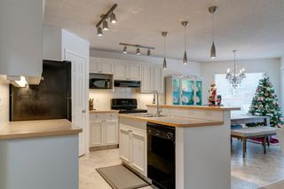 Photo 9: 150 Rocky Ridge Close NW in Calgary: Rocky Ridge Detached for sale : MLS®# A1050764