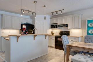 Photo 10: 150 Rocky Ridge Close NW in Calgary: Rocky Ridge Detached for sale : MLS®# A1050764