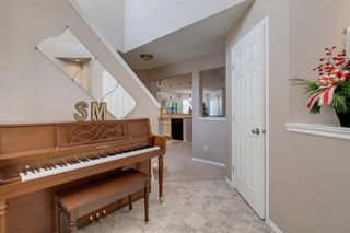 Photo 3: 150 Rocky Ridge Close NW in Calgary: Rocky Ridge Detached for sale : MLS®# A1050764