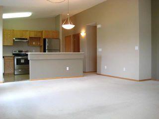 Photo 8: 1000 WILKES Avenue in WINNIPEG: River Heights / Tuxedo / Linden Woods Condominium for sale (South Winnipeg)  : MLS®# 1011443