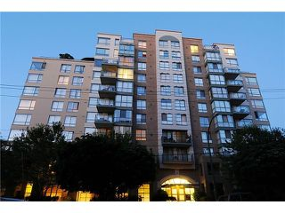 "Photo 2: 705 2288 PINE Street in Vancouver: Fairview VW Condo for sale in ""THE FAIRVIEW"" (Vancouver West)  : MLS®# V852538"