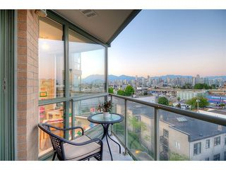 "Photo 9: 705 2288 PINE Street in Vancouver: Fairview VW Condo for sale in ""THE FAIRVIEW"" (Vancouver West)  : MLS®# V852538"