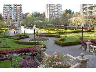 "Photo 10: 304 7388 SANDBORNE Avenue in Burnaby: South Slope Condo for sale in ""MAYFAIR PLACE"" (Burnaby South)  : MLS®# V860146"