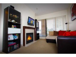 "Photo 2: 304 7388 SANDBORNE Avenue in Burnaby: South Slope Condo for sale in ""MAYFAIR PLACE"" (Burnaby South)  : MLS®# V860146"