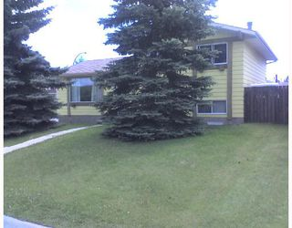 Photo 1: 2 Glenpatrick Road: Cochrane Residential Detached Single Family for sale : MLS®# C3333964