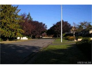 Photo 8:  in VICTORIA: SW Northridge Single Family Detached for sale (Saanich West)  : MLS®# 405598