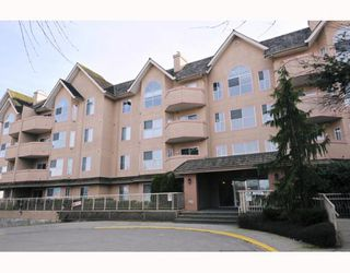"Photo 1: 306 12464 191B Street in Pitt_Meadows: Mid Meadows Condo for sale in ""LASEUR MANOR"" (Pitt Meadows)  : MLS®# V755993"