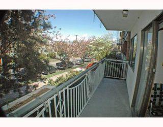 Photo 2: 208 1950 W 8TH Avenue in Vancouver: Kitsilano Condo for sale (Vancouver West)  : MLS®# V760791