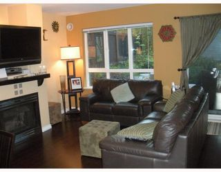 """Photo 3: 7492 HAWTHORNE Terrace in Burnaby: Highgate Townhouse for sale in """"Rockhill"""" (Burnaby South)  : MLS®# V767088"""