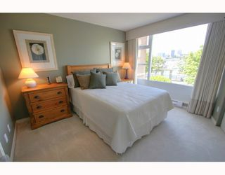 "Photo 6: 1063 MARINASIDE Crescent in Vancouver: False Creek North Townhouse for sale in ""QUAYWEST"" (Vancouver West)  : MLS®# V775209"