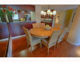 """Photo 2: 1063 MARINASIDE Crescent in Vancouver: False Creek North Townhouse for sale in """"QUAYWEST"""" (Vancouver West)  : MLS®# V775209"""