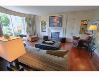 "Photo 1: 1063 MARINASIDE Crescent in Vancouver: False Creek North Townhouse for sale in ""QUAYWEST"" (Vancouver West)  : MLS®# V775209"