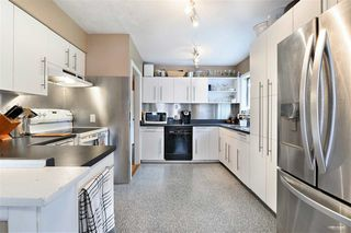 Photo 7: 1578 KERFOOT Road: White Rock House for sale (South Surrey White Rock)  : MLS®# R2465256