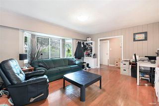 Photo 10: 1578 KERFOOT Road: White Rock House for sale (South Surrey White Rock)  : MLS®# R2465256
