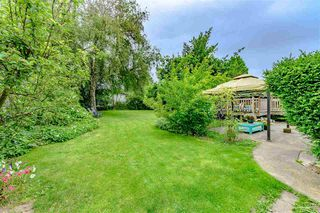 Photo 2: 1578 KERFOOT Road: White Rock House for sale (South Surrey White Rock)  : MLS®# R2465256