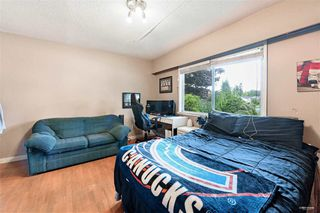 Photo 15: 1578 KERFOOT Road: White Rock House for sale (South Surrey White Rock)  : MLS®# R2465256