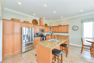 Photo 8: 3327 Aloha Ave in Colwood: Co Lagoon House for sale : MLS®# 844391