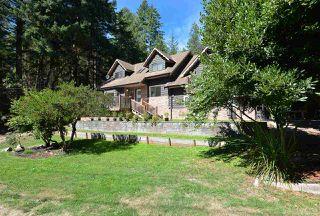 Photo 1: 7474 REDROOFFS Road in Halfmoon Bay: Halfmn Bay Secret Cv Redroofs House for sale (Sunshine Coast)  : MLS®# R2494873