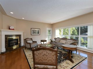 Photo 2: 4652 Boulderwood Dr in : SE Broadmead House for sale (Saanich East)  : MLS®# 858139
