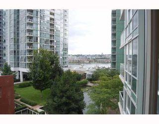 "Photo 2: 706 193 AQUARIUS MEWS BB in Vancouver: False Creek North Condo for sale in ""MARINASIDE RESORT RESIDENCES"" (Vancouver West)  : MLS®# V787619"
