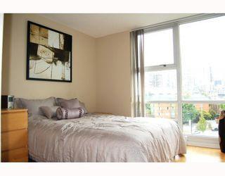 "Photo 7: 706 193 AQUARIUS MEWS BB in Vancouver: False Creek North Condo for sale in ""MARINASIDE RESORT RESIDENCES"" (Vancouver West)  : MLS®# V787619"
