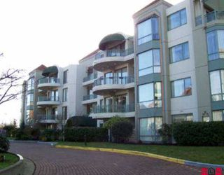 """Photo 1: 304 1765 MARTIN DR in White Rock: Sunnyside Park Surrey Condo for sale in """"Southwyn"""" (South Surrey White Rock)  : MLS®# F2601637"""