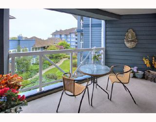 "Photo 7: 320 12931 RAILWAY Avenue in Richmond: Steveston South Condo for sale in ""BRITANNIA"" : MLS®# V722206"