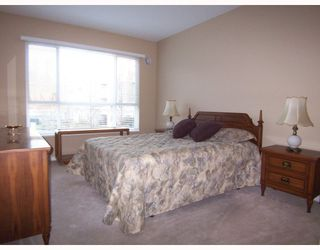 """Photo 4: 243 3098 GUILDFORD Way in Coquitlam: North Coquitlam Condo for sale in """"MARLBOROUGH HOUSE"""" : MLS®# V754550"""